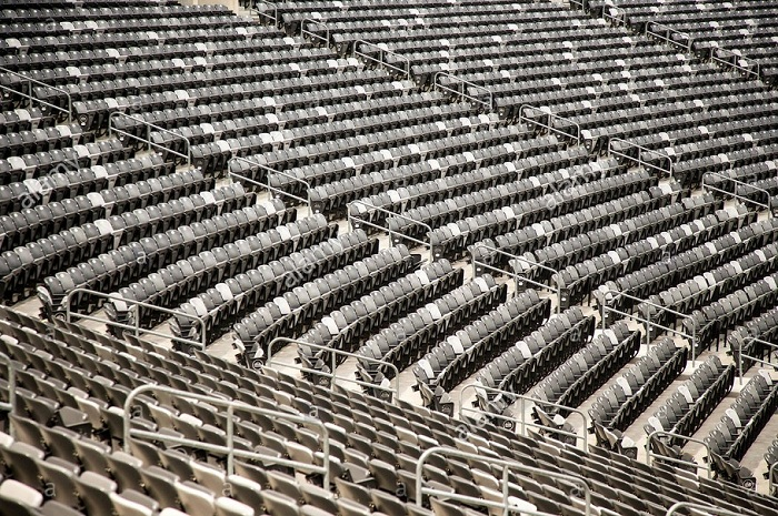 empty-seats-at-metlife-stadium-in-east-rutherford-nj-P570XY.jpg